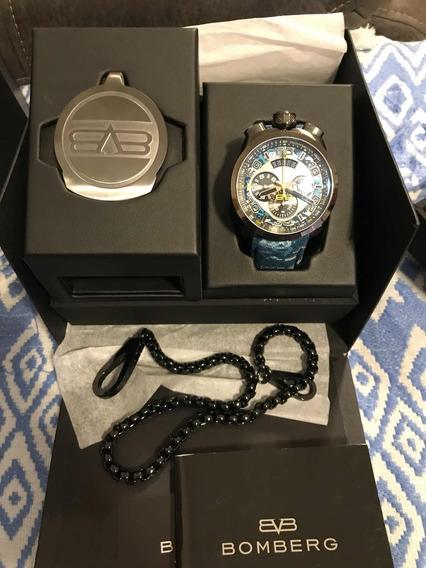 Reloj Bomberg Bolt 68 Camuflaje Azul 45mm