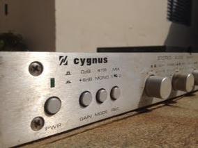Mixer Stereo Audio Cygnus Sm 400 . Prata . Vintage