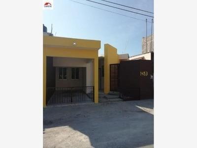 Casa Sola En Venta Colonia Moctezuma, Colima, Colima; Con Diseño Único, De Dos Recámaras....