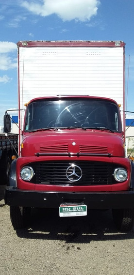 Mercedes Benz 1513 Baú