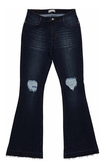 Calça Feminina Jeans Flare Com Rasgos E Barra Flipflop