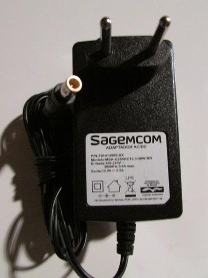 Fonte Alimentação Sagecom 12v 2,5a Cftv Receptor Tv Plug P4
