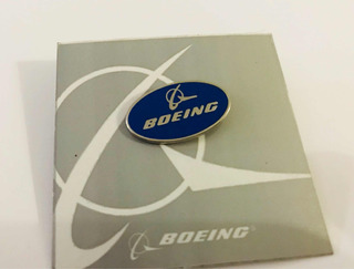 Pins Boeing Ovalo
