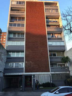 Apartamento De Dos Dormitorios Y Amplio Fondo Con Barbacoa.