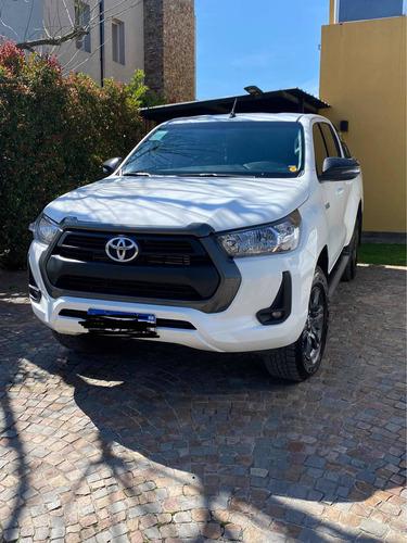 Imagen 1 de 11 de Toyota Hilux 2021 2.4 Cd Sr 150cv 4x2