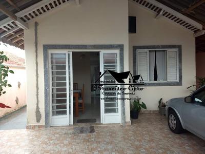 Casa A Venda No Bairro Vila Municipal Em Guaratinguetá - - Cs337-1