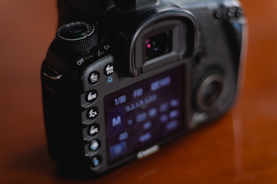 Câmera Profissional Canon 7d+ Lente 18-55+ Bolsa+ Cards+ Bat