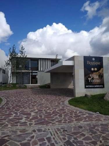 Venta Residencia Leon 4 Recamaras, Alberca, Sotano Usos Multiples Amplio Jardín