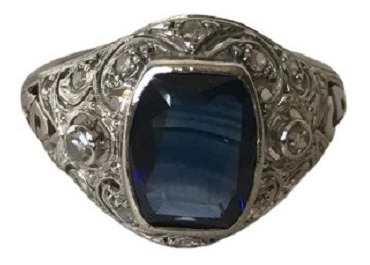 #708a - Anel Em Platina Com Diamantes E Safira Oriental Reta