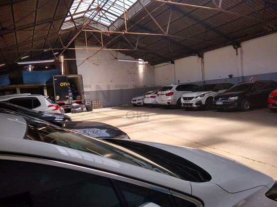Gran Galpón Depósito / Garage Taller Ubicado En Flores Sobre Gaona