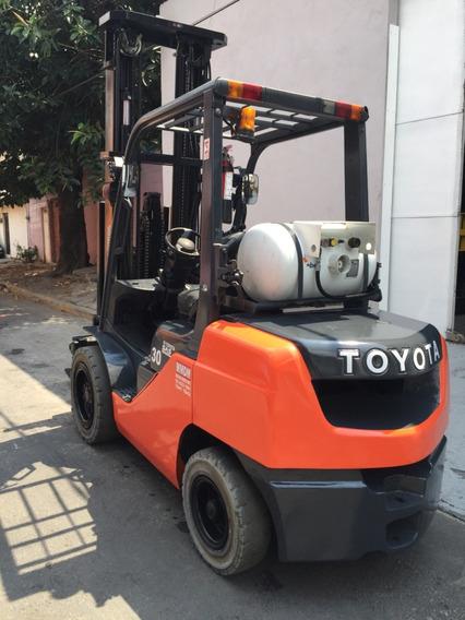 Montacargas Toyota Usado 2013 6,000 Lbs Incluye Aditamento