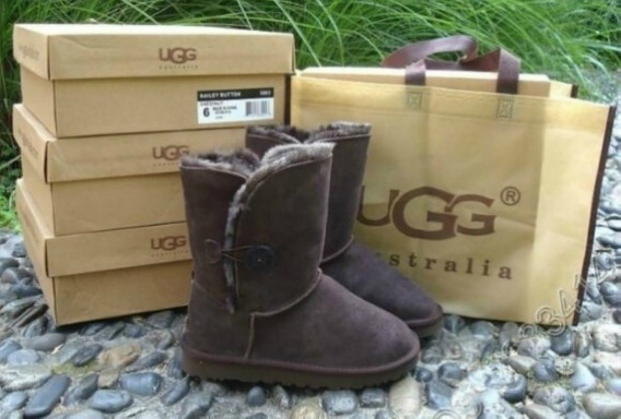 Bota Ugg Short Bailey Button Pronta Entregue