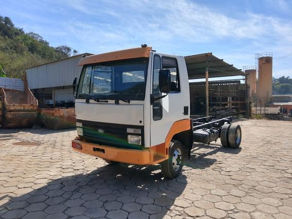 Caminhão 3/4 Chassi Toco Ford Cargo 814