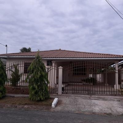 Casa En Venta En Chitré Herrera