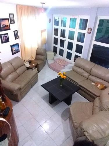 Imagen 1 de 12 de Rento Casa Sola Muy Amplia Sala,comedor,cocina,3 Baños 4 Recámaras  Of, 63790