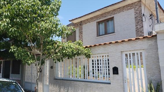 Casa/sobrado Próximo Ao Centro De São Vicente.