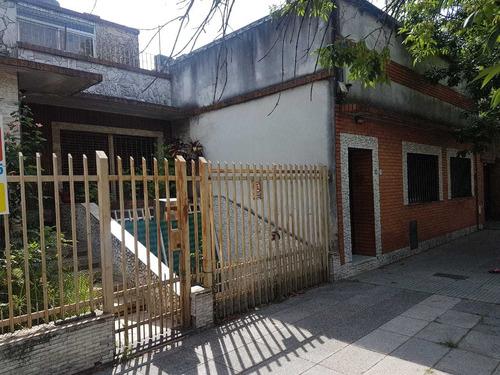 Imagen 1 de 5 de Venta En Block. Dos Viviendas De 3 Ambientes. Liniers