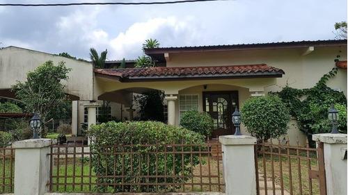 Imagen 1 de 12 de Casa En Alquiler En Clayton 21-12126 Emb