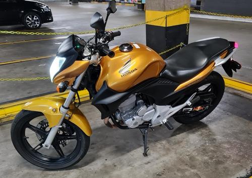 Imagem 1 de 8 de Moto Honda Cb 300r 2011 Dourada