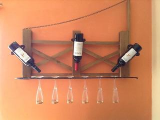 Capacidad 3 Botellas Y 6 Copas. Madera Semidura.