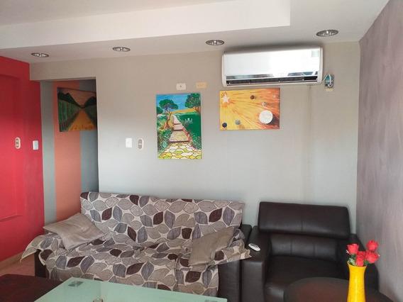 Acogedor Apartamento En El Centro De Coro # 19-13467