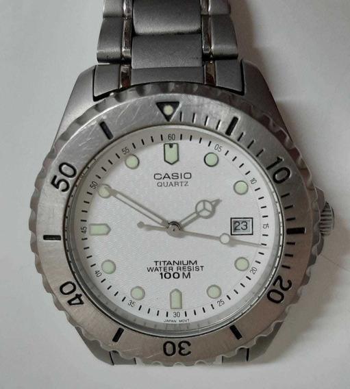 Relógio Casio Titânio Fundo Branco Pouco Uso