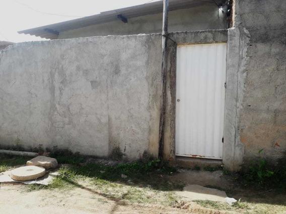 Casa Com Uma Suíte , Adaptacao Pra Conzinha Corredor Sala .