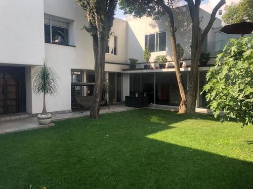 Casa En Venta En Calle Cerrada, Eucaliptos / San Jeronimo