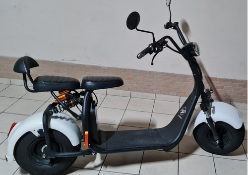 Imagem 1 de 5 de Scooter Elétrica