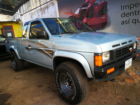 Nissan Pick Up ,king Cab, 4x4, V6, 3.0 Transmstd, Cajòn Larg