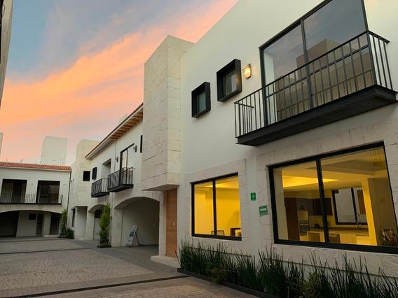 Exclusiva Residencia En Zona Privilegiada Al Sur