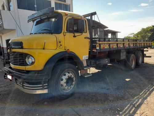 Imagem 1 de 4 de Caminhão Mb1519 Ano75 6x2