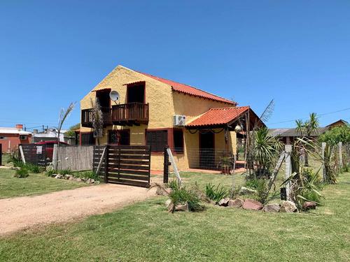 Vendo 2 Casas, Ideal Para Renta. Barra Del Chuy Uruguaya