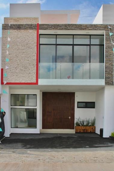 Casa Nueva En Venta Con Roof Garden En Bosque Real, En Zapopan. En Av. Del Bosque Real 10