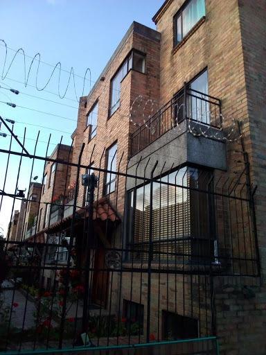 Casas En Arriendo Tarragona Modelia 172-1254
