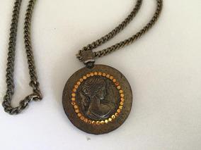 Colar Corrente Com Medalhão E Strass