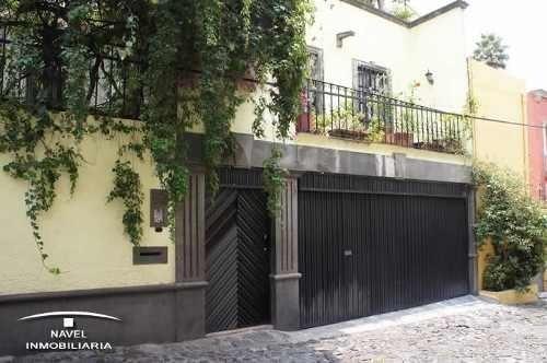 Muy Buena Casa De 3 Pisos. Cav-3828