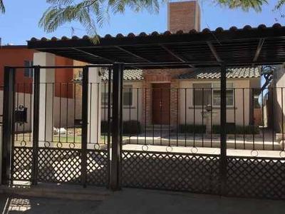 Venta De Casa Super Remodelada En Fracc Jurica