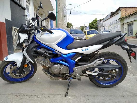 Suzuki Gladius Sfv 650 Abs Blanco Y Azul