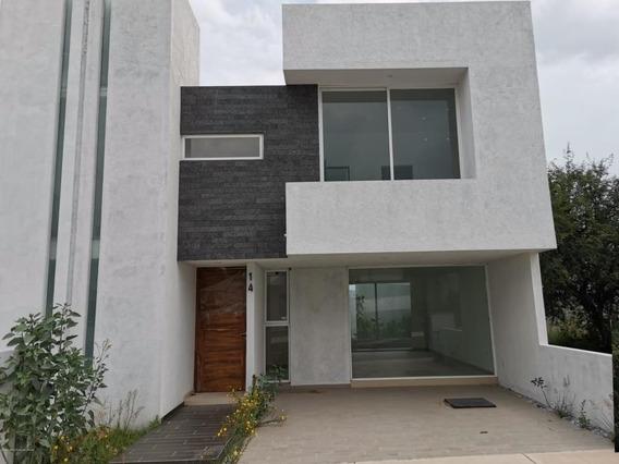 Casa En Venta En El Mirador, Queretaro, Rah-mx-20-3266