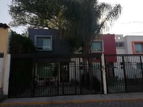 Casa En Venta En Cortijo De San Joaquin