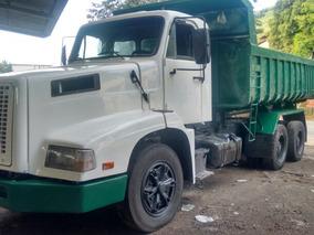 Caminhão Caçamba Traçado Volvo
