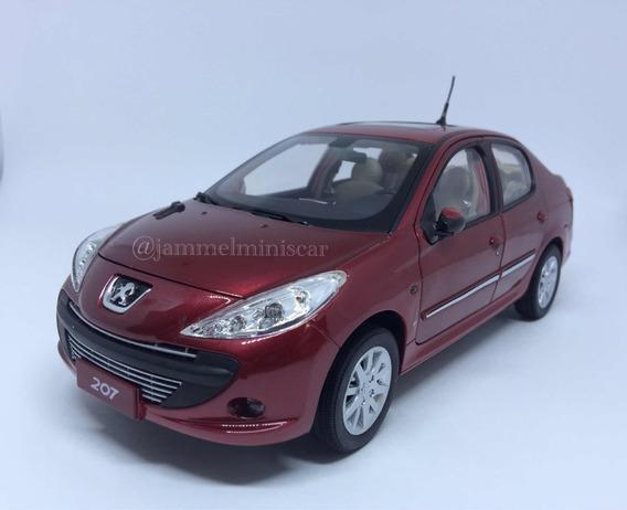 Miniatura Peugeot 207 Passion - Escala 1/18 - Paudi Models.