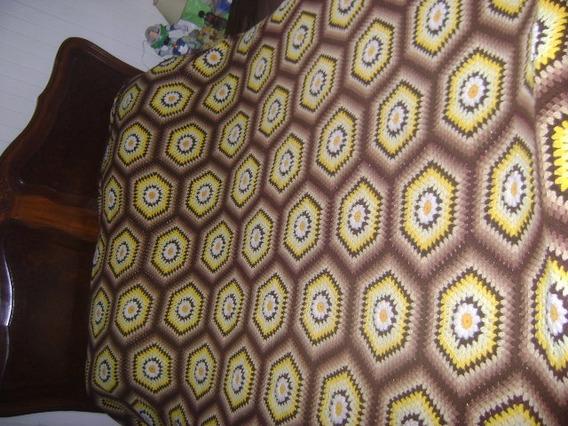 Colcha De Casal Artesanal De Crochê Feito A Mão