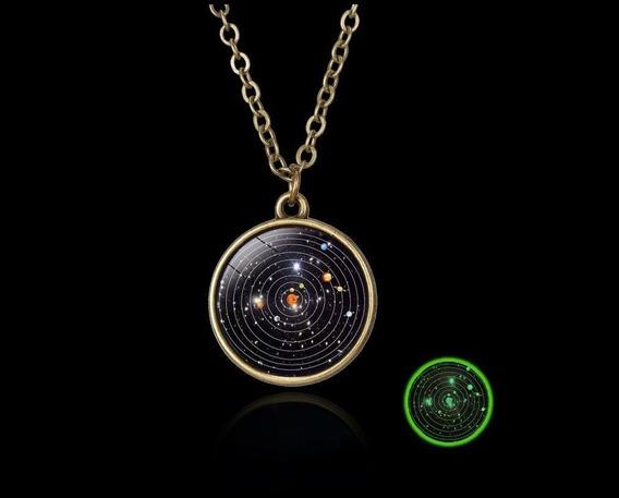 Collar Luminoso Con Diseño Del Sistema Solar Sin Pilas