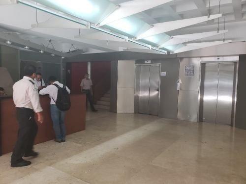 Rento Ofna 120 Mtrs Av.constituyentes Frente Chapultepec