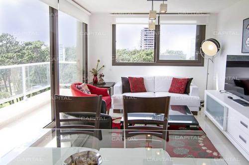 Moderno Apartamento De Dos Dormitorios - Punta Del Este- Ref: 30614