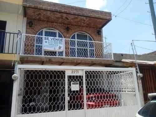 Amplia Casa Por Centro Médico Belisario Domínguez