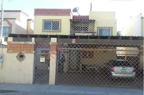 Rento Amplia Casa Amueblada En El Fracc. El Lienzo A 3 Minutos De La Zona Dorada