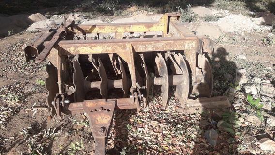 Trator Cbt 2105 Com Grade Aradoura Com Ro Pneus Ja Com Capas